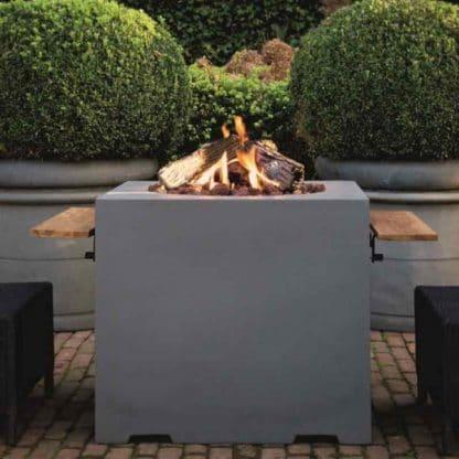 Feuertisch quadratisch Lounge & Dining