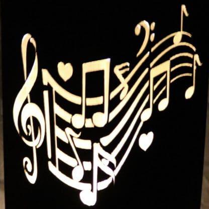 Rostsäule mit Musiknoten